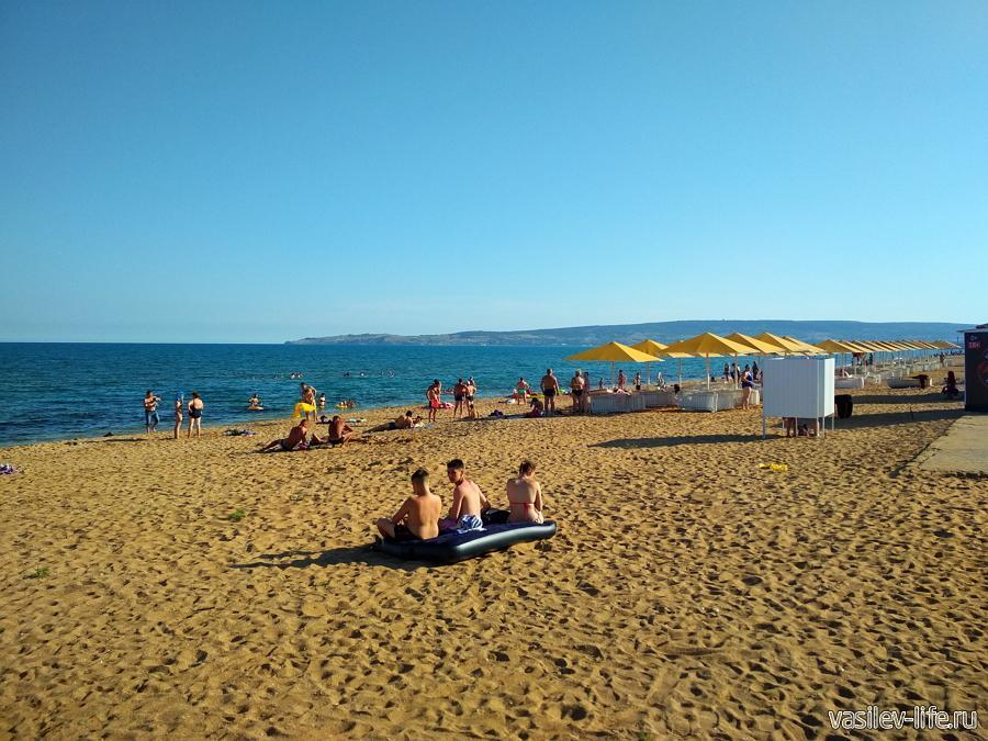 Детвора на пляже